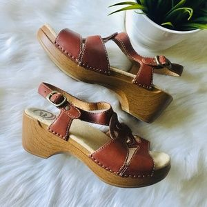DANSKO Brown Clogs Sandals 36 6 EUC